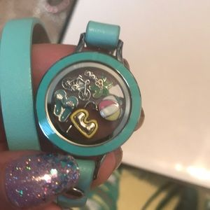 Origami owl teal smaller size bracelet 5 charms